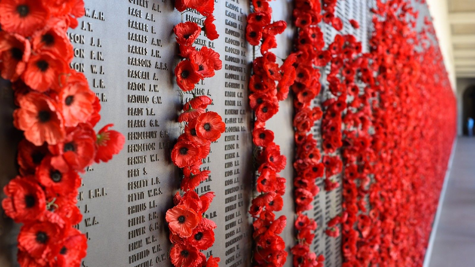 The Remembrance Wall at the Australian War Memorial banner image