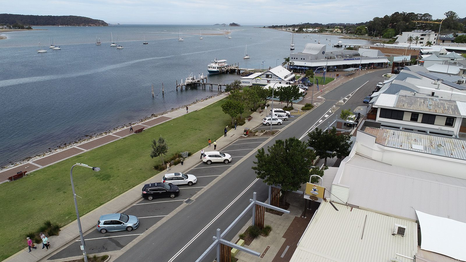 Aerial photograph of Batemans Bay parking areas next to the Clyde River banner image